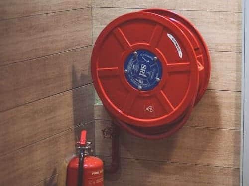 extintor y equipo contra incendios en comunidad de propietarios